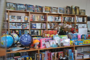 """Книжковий супермаркет """"Буки"""" – ексклюзивний магазин від видавництва """"Мандрівець"""" у м. Кропивницький 4"""